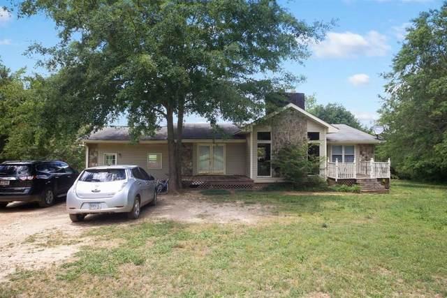 10861 Hutcheson Ferry Road, Chattahoochee Hills, GA 30268 (MLS #6728831) :: Dillard and Company Realty Group