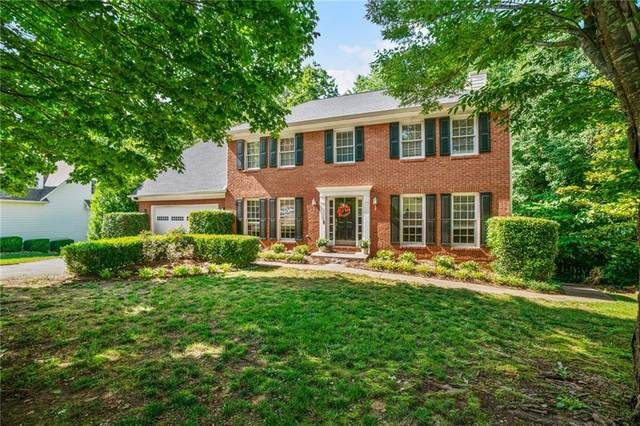 1365 Twin Bridge Lane, Lawrenceville, GA 30043 (MLS #6730016) :: The Cowan Connection Team