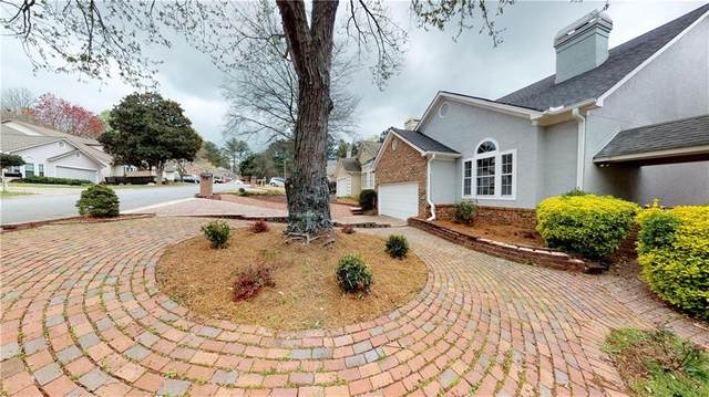 2332 Oakwood Way SE, Smyrna, GA 30080 (MLS #6732005) :: Charlie Ballard Real Estate
