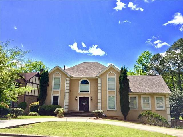 3876 Grand Forest Drive, Peachtree Corners, GA 30092 (MLS #6732673) :: North Atlanta Home Team
