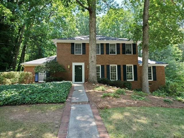 7195 Hunters Branch Drive, Sandy Springs, GA 30328 (MLS #6740680) :: North Atlanta Home Team