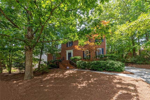 9765 Summer Oaks Drive, Roswell, GA 30076 (MLS #6741932) :: The North Georgia Group