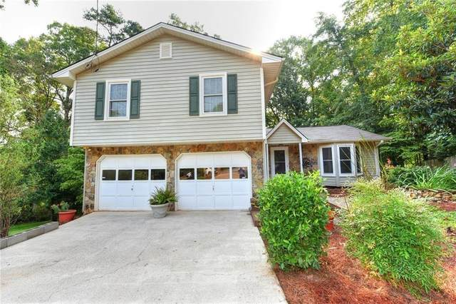 838 Chartley Drive SW, Lilburn, GA 30047 (MLS #6744433) :: The Hinsons - Mike Hinson & Harriet Hinson