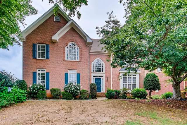 5560 Vicarage Walk, Alpharetta, GA 30005 (MLS #6744684) :: North Atlanta Home Team