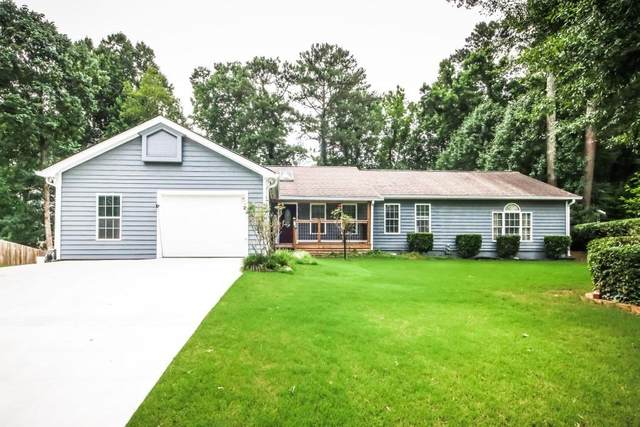 3817 Foxwood Road, Peachtree Corners, GA 30096 (MLS #6745078) :: Vicki Dyer Real Estate