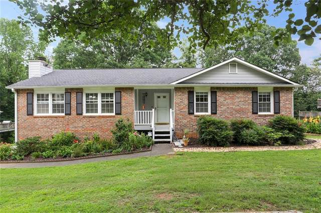 4412 Old Mabry Place NE, Roswell, GA 30075 (MLS #6745143) :: The Hinsons - Mike Hinson & Harriet Hinson