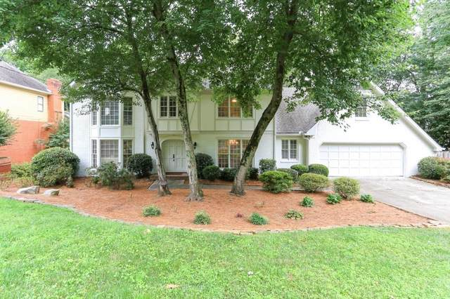 1121 Redfield Ridge, Dunwoody, GA 30338 (MLS #6746254) :: North Atlanta Home Team