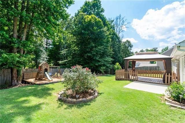1021 Pine Acre Drive, Sugar Hill, GA 30518 (MLS #6746624) :: The North Georgia Group