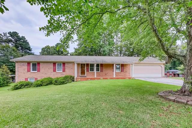 3195 Lyle Lane SW, Marietta, GA 30060 (MLS #6747169) :: The Heyl Group at Keller Williams
