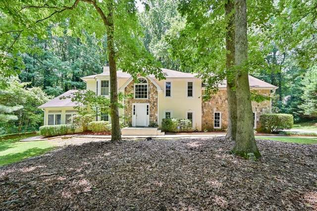 425 Hembree Hollow, Roswell, GA 30076 (MLS #6747383) :: Scott Fine Homes at Keller Williams First Atlanta