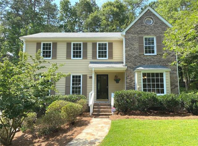 395 Wickerberry Lane, Roswell, GA 30075 (MLS #6747673) :: Dillard and Company Realty Group