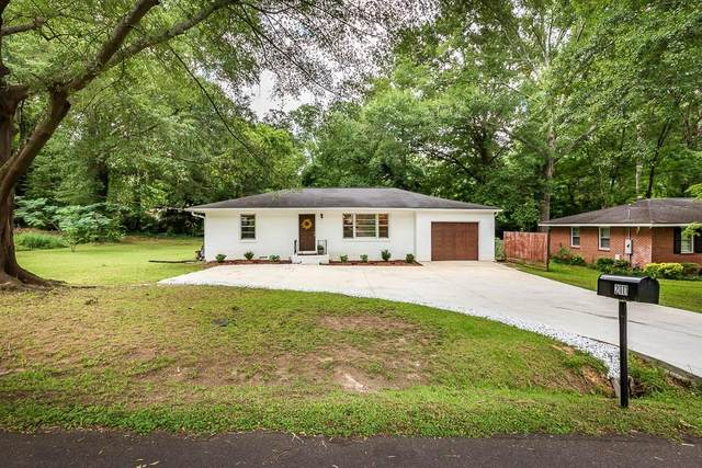 2111 Meadowbrook Lane SE, Marietta, GA 30067 (MLS #6747687) :: The Heyl Group at Keller Williams