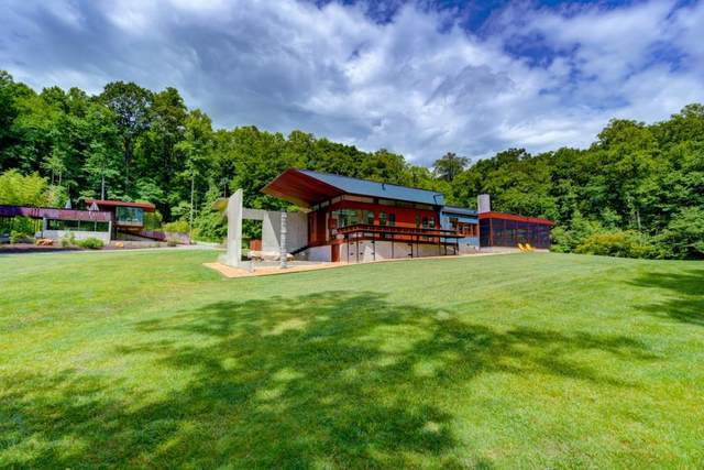 10 Barkers Creek Lane, Rabun Gap, GA 30568 (MLS #6748014) :: Todd Lemoine Team