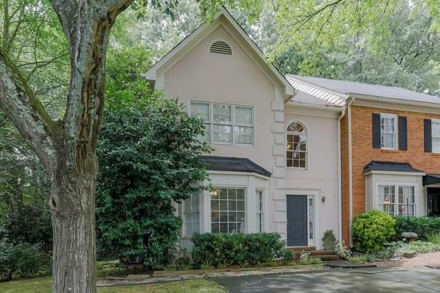 581 Harcourt Place SE, Marietta, GA 30067 (MLS #6748572) :: KELLY+CO