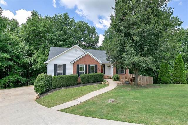5537 Rolling Mist Court, Flowery Branch, GA 30542 (MLS #6748644) :: The Heyl Group at Keller Williams
