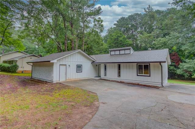 412 Lester Road SW, Lawrenceville, GA 30044 (MLS #6748867) :: North Atlanta Home Team
