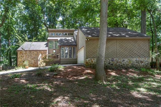 1962 Colony Oaks Drive SW, Snellville, GA 30078 (MLS #6751807) :: Dillard and Company Realty Group