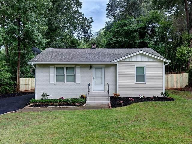 1010 Oakview Drive SE, Smyrna, GA 30080 (MLS #6754763) :: North Atlanta Home Team