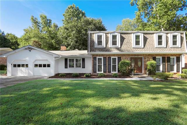 2322 Kingsland Drive, Dunwoody, GA 30360 (MLS #6755347) :: The Cowan Connection Team