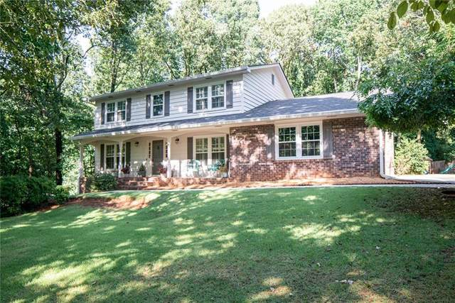725 Hunterhill Court, Roswell, GA 30075 (MLS #6757827) :: The Butler/Swayne Team