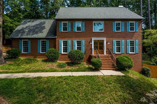 350 Highlands Trace, Roswell, GA 30075 (MLS #6758685) :: The Zac Team @ RE/MAX Metro Atlanta