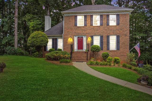 2241 Fox Chase, Lawrenceville, GA 30043 (MLS #6759184) :: The Heyl Group at Keller Williams