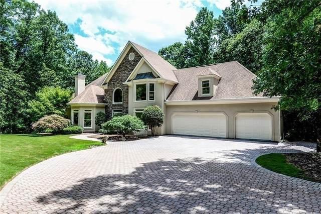 13525 Willowbank Lane, Alpharetta, GA 30004 (MLS #6761559) :: North Atlanta Home Team