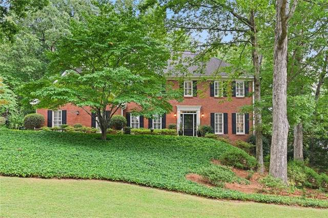 8565 Haven Wood Trail, Roswell, GA 30076 (MLS #6763702) :: The Heyl Group at Keller Williams
