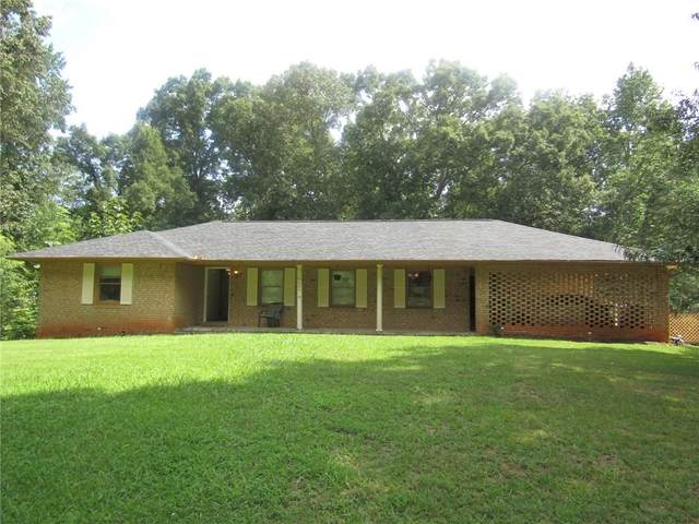 6668 Forestdale Lane, Douglasville, GA 30135 (MLS #6764535) :: The Heyl Group at Keller Williams