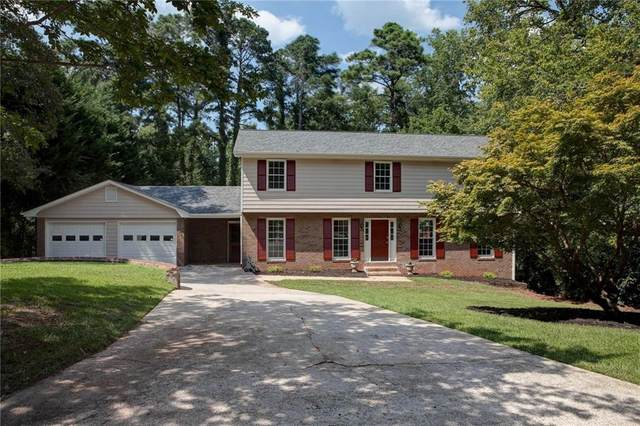 1910 Hamlin Drive SW, Marietta, GA 30064 (MLS #6764567) :: The Cowan Connection Team