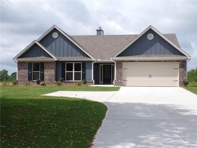 2013 Soque Circle, Jefferson, GA 30549 (MLS #6764621) :: Tonda Booker Real Estate Sales