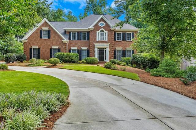 5339 Brooke Farm Drive, Dunwoody, GA 30338 (MLS #6766907) :: Thomas Ramon Realty