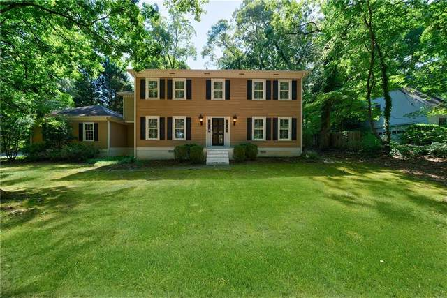 4814 Riverhill Road NE, Marietta, GA 30068 (MLS #6767943) :: The Cowan Connection Team
