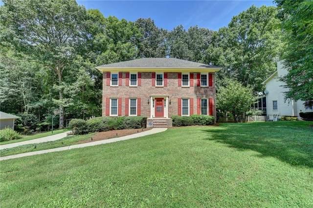 1565 Maple Ridge Drive, Suwanee, GA 30024 (MLS #6772070) :: North Atlanta Home Team