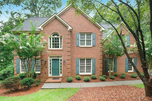 130 Willowcrest Court, Roswell, GA 30075 (MLS #6778520) :: Todd Lemoine Team