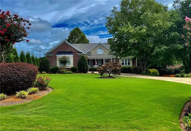 5751 Chateau Glen Drive, Hoschton, GA 30548 (MLS #6783361) :: North Atlanta Home Team