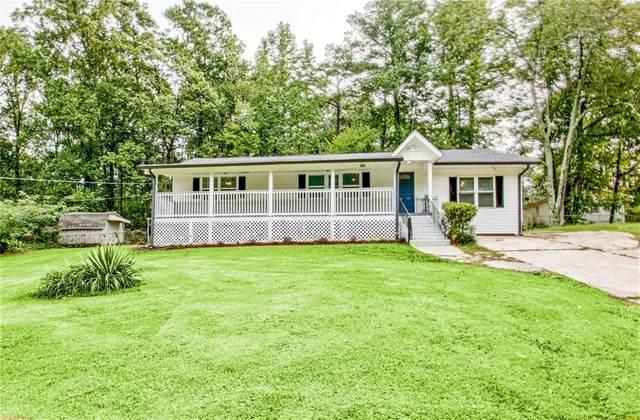 5215 Dixie Lake Road, Union City, GA 30291 (MLS #6784220) :: Tonda Booker Real Estate Sales