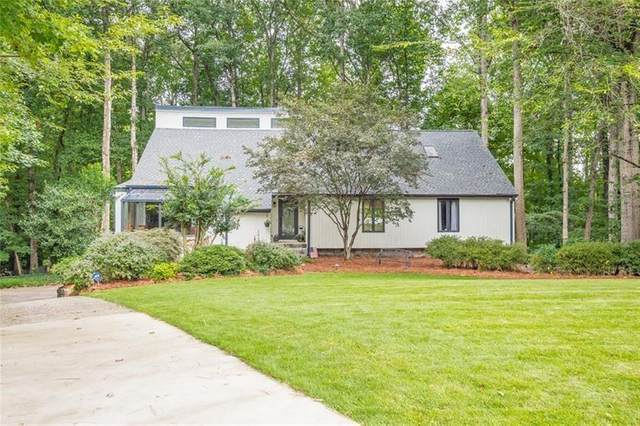 135 Nesbit Ferry Place, Sandy Springs, GA 30350 (MLS #6784892) :: Dillard and Company Realty Group
