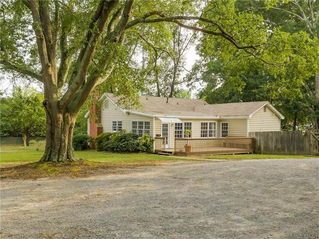 2967 Sandy Plains Road, Marietta, GA 30066 (MLS #6785267) :: The Hinsons - Mike Hinson & Harriet Hinson