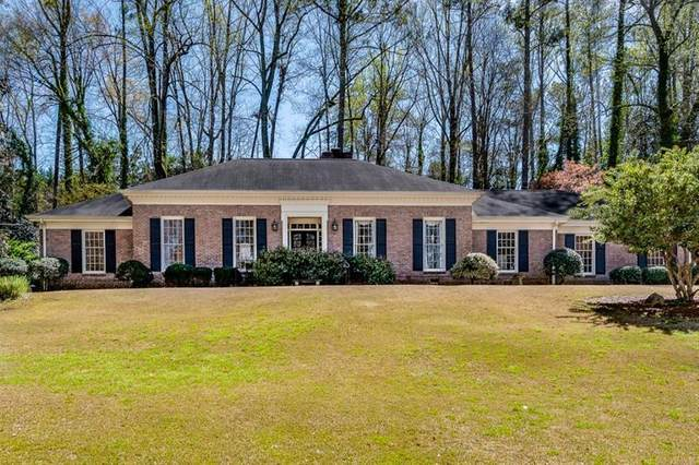 364 Glencastle Drive, Atlanta, GA 30327 (MLS #6786384) :: The Heyl Group at Keller Williams