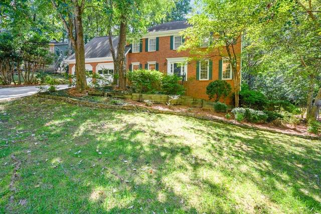 2755 Long Lake Drive NE, Roswell, GA 30075 (MLS #6786387) :: Path & Post Real Estate