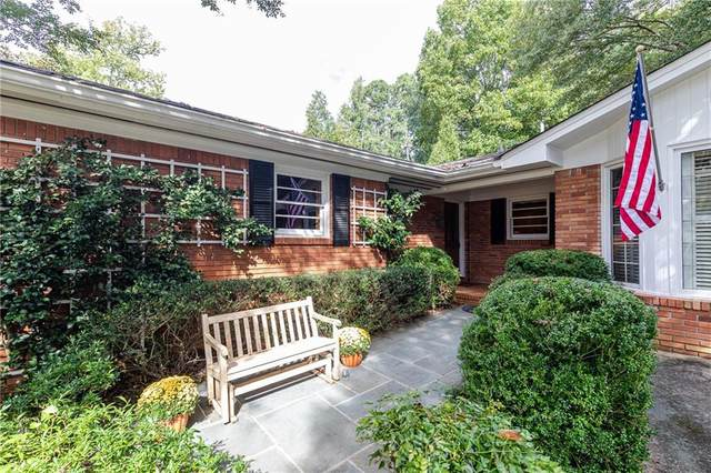 2950 Westminster Circle NW, Atlanta, GA 30327 (MLS #6786472) :: The Hinsons - Mike Hinson & Harriet Hinson