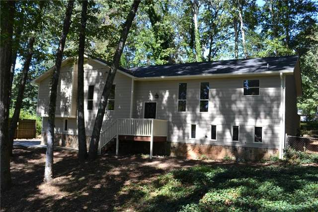2718 Mohawk Trail, Acworth, GA 30102 (MLS #6789803) :: Tonda Booker Real Estate Sales