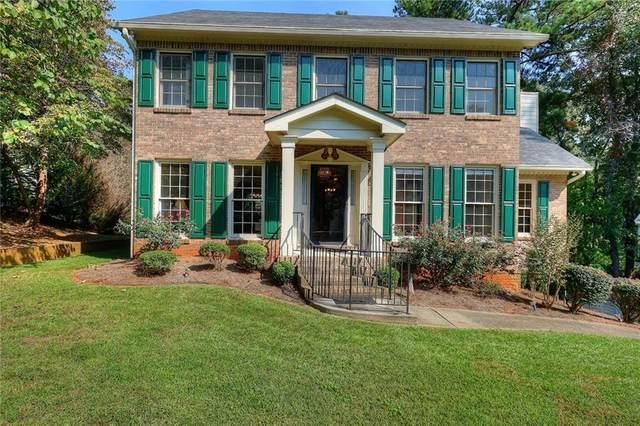 1400 Doe Hollow Trace SW, Lilburn, GA 30047 (MLS #6792974) :: Charlie Ballard Real Estate
