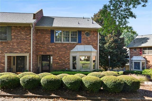 6285 Windsor Trace Drive, Peachtree Corners, GA 30092 (MLS #6793126) :: North Atlanta Home Team