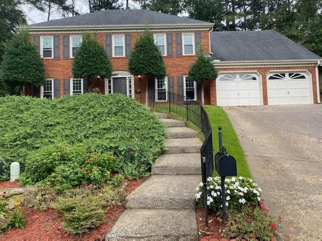 3626 Woodlark NE, Roswell, GA 30075 (MLS #6794622) :: North Atlanta Home Team