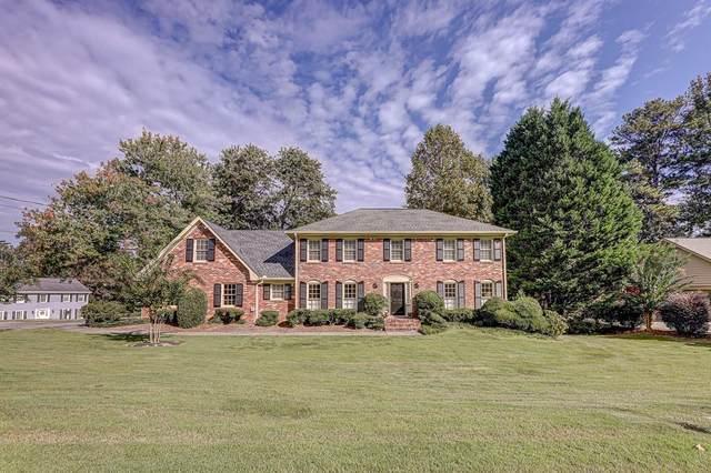 5138 Meadowcreek Drive, Dunwoody, GA 30338 (MLS #6797838) :: North Atlanta Home Team