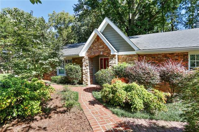 5855 Brookgreen Road, Sandy Springs, GA 30328 (MLS #6798626) :: North Atlanta Home Team