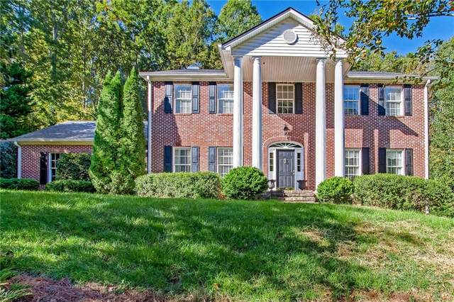1032 E Lake Drive, Gainesville, GA 30506 (MLS #6800125) :: Dillard and Company Realty Group