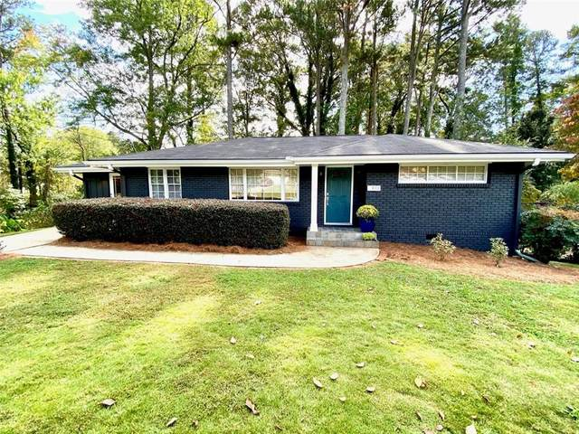 910 Lake Court SE, Smyrna, GA 30082 (MLS #6800331) :: KELLY+CO